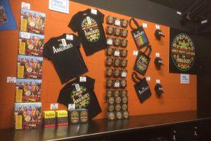 The Analogues Merchandise stand Verkoop op lokatie